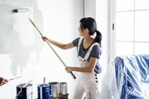 Neuer Anstrich durch Regelinsolvenz: Manche Firmen können durch eine Sanierung gerettet werden.