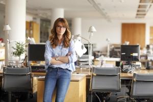 Arbeitnehmer können Insolvenzgeld beantragen, wenn sie offene Gehaltsforderungen gegenüber ihrem insolventen Arbeitgeber haben.