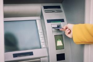Durch verschiedenste Kredite entstehen bei der Bank Schulden.