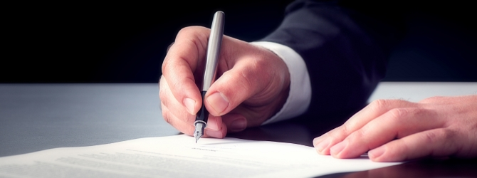 Wer eine Bürgschaft unterschreibt, verpflichtet sich in umfangreicher Weise.