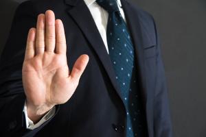 Die Drittwiderspruchsklage ist statthaft, wenn der Kläger ein die Veräußerung hinderndes Recht geltend macht.