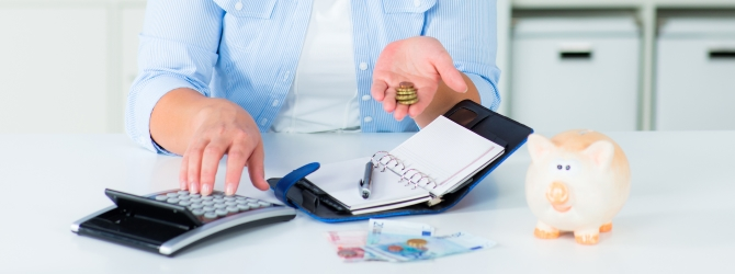 Erbe ablehnen bei Schulden: Manchmal ist es besser, gar nichts zu erben als ein Erbe, das mit Verbindlichkeiten belastet ist.