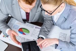 Geschäftsführer von Firmen können das Insolvenzverfahren nur als Regelinsolvenz anmelden.