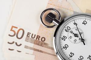 Ein gerichtliches Mahnverfahren spart dem Gläubiger Zeit und Geld.