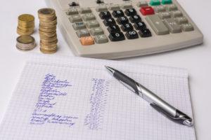 Um trotz Hartz 4 zu sparen, ist es ratsam, ein Haushaltsbuch zu führen.