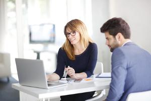 Der Vorteil eines Inkassounternehmens ist, dass der Gläubiger mit ihm viel Zeit und Aufwand sparen kann.