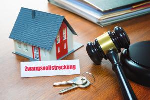 In der Regel erfolgt die Verwertung der Insolvenzmasse durch Versteigerung der Gegenstände.