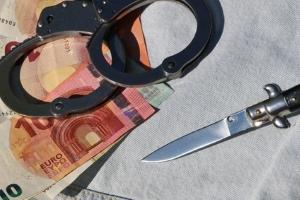 Privatpersonen können nicht nur wegen Insolvenzstraftaten in der Privatinsolvenz Probleme bekommen.