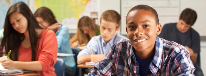 Jugendliche und Schulden: Durch präventive Maßnahmen lässt sich diesem Phänomen entgegenwirken.