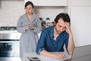 Zum Mahn- und Vollstreckungsbescheid muss es nicht kommen - suchen Sie sich rechtzeitig Hilfe bei Schulden!