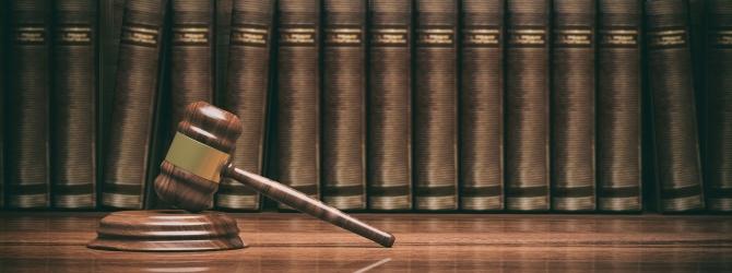 Begehen Sie im Insolvenzverfahren eine Obliegenheitsverletzung, kann Ihnen das Insolvenzgericht die Restschuldbefreiung verwehren.
