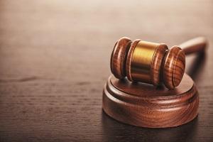 Die öffentliche Schuldnerberatung kann eine außergerichtliche Einigung mit den Gläubigern erwirken.