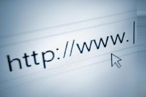 Sie können online kostenpflichtig Ihren SCHUFA-Eintrag prüfen oder einmal jährlich eine kostenlose Selbstauskunft beantragen.