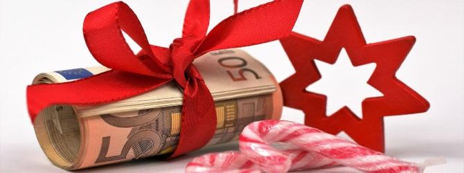 Pfändungsfreies Einkommen sind beispielsweise Urlaubs- und Weihnachtsgelder, allerdings nur teilweise.