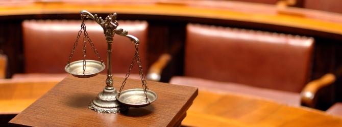 Prozesskostenhilfe wird jenen gewährt, die die Kosten für ein Gerichtsverfahren nicht selbst zahlen können.