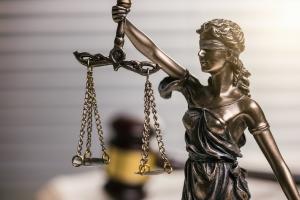 Lang ersehnte Restschuldbefreiung: Wann wird diese rechtskräftig?