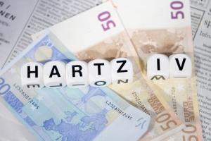 Schulden bei der Krankenkasse: Für Hartz-4-Empfänger bezahlt das Jobcenter die monatlichen Beiträge.
