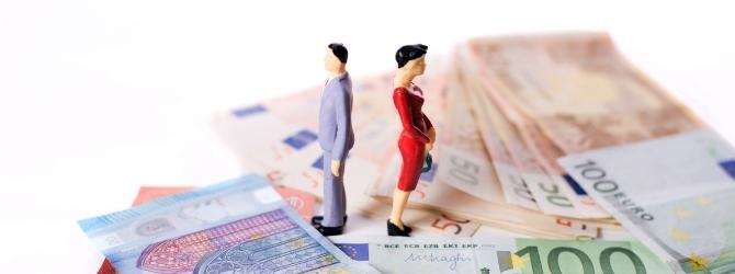 Aus der Ehe bestehen noch Schulden und die Scheidung steht an: Wer muss nun bezahlen?