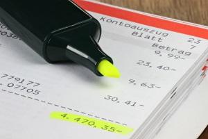 In der Regel kann die Schuldensanierung nur seriös angegangen werden, wenn etwas vom Einkommen übrig bleibt.
