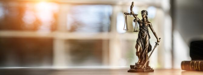 Vorteil der Schuldnerberatung durch einen Anwalt ist die mögliche Weiterbegleitung während einer Insolvenz.