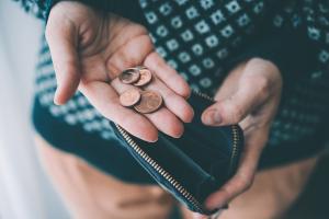 Welche Kosten für eine Schuldnerberatung entstehen, hängt von verschiedenen Faktoren ab