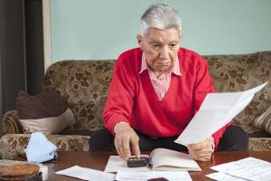 Spartipps für Rentner: Lohnt es sich, mit einem Job die Rente aufzubessern?