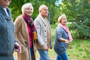 Spartipps für Senioren: Reduzieren Sie Kosten und nutzen Sie Rabatte.