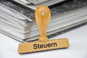 Staatsschulden in Deutschland: Reichen die Steuereinnahmen nicht aus, werden neue Kredite aufgenommen.