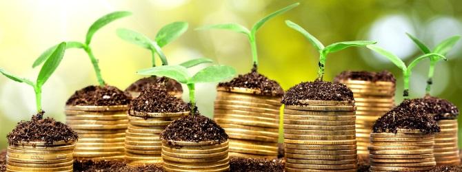 Umschuldungskredite können eine gute Möglichkeit sein, bessere Konditionen zu erhalten (z. B. niedrigere Zinsen).