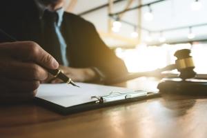 Nomen est Omen: Die Zuständigkeit besteht beim Insolvenzgericht vor allem in Insolvenzfragen.
