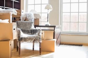 Die Zwangsräumung einer Wohnung ist möglich, wenn der Mieter sich trotz Kündigung weigert auszuziehen.