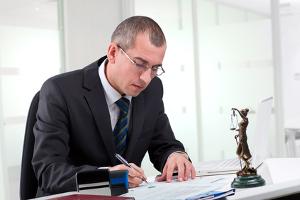 Einen Zwangsvollstreckungsauftrag darf ich wie oft einreichen? Nur einmal pro Angelegenheit bzw. Forderung.
